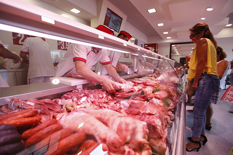 mercado-da-carne-sobreda-feijo-14